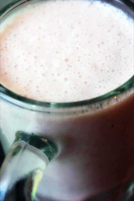 Orange, Blueberry & Almond Milk Smoothie